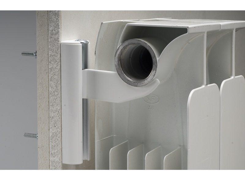 Radiatori fischer propone mensole per radiatori in for Radiatori in alluminio