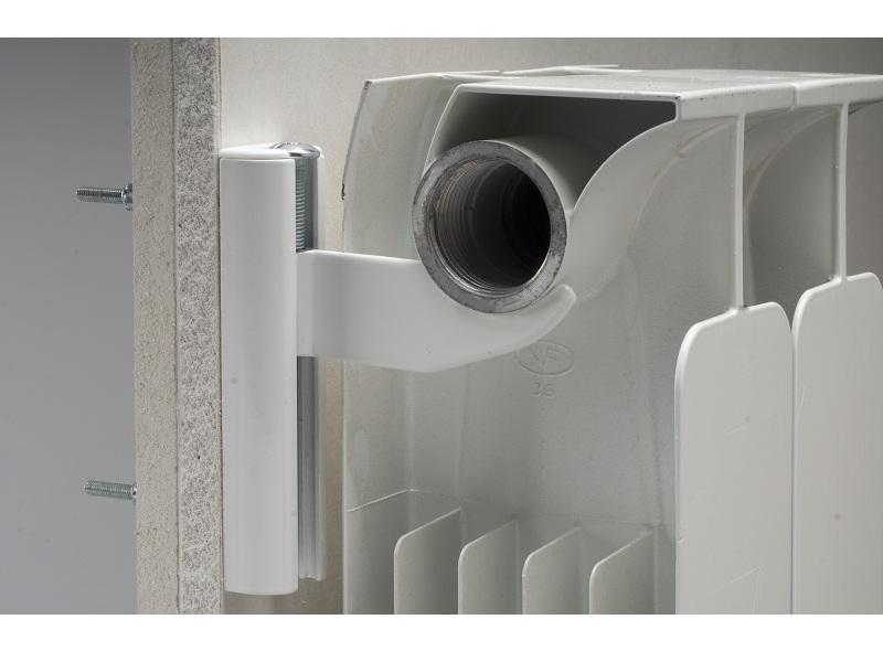 Radiatori fischer propone mensole per radiatori in for Mensole alluminio