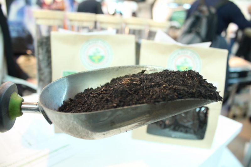 Triplicate le bioplastiche compostabili nella raccolta dell'organico